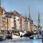 Denmark..... Nyhvn (1) by Larry Lingard-Davis