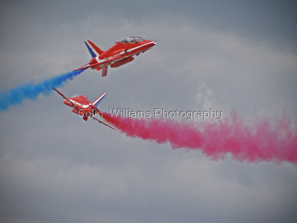 Red Arrows Close Pass - Dunsfold 2012 by Colin  Williams Photography