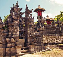 Hindu Temple in Nusa Lembongan by jaymephoto