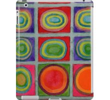 Green Grid filled with Circles and intense Colors iPad Case/Skin