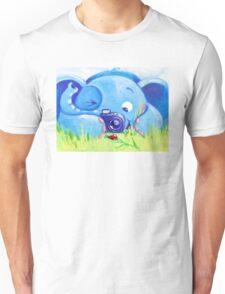Photographer - Rondy the Elephant with photo camera Unisex T-Shirt