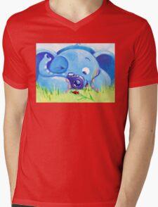 Photographer - Rondy the Elephant with photo camera Mens V-Neck T-Shirt
