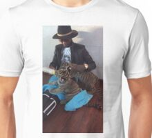 Young Thug Feeding Tigers Unisex T-Shirt