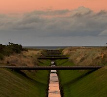LOSSIEMOUTH - SUNDOWN ON GOLF by JASPERIMAGE