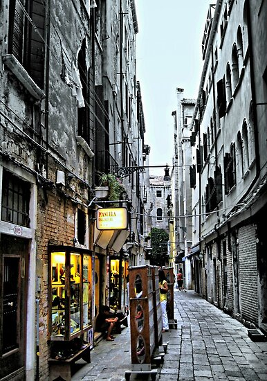 Venice Back Street by naturelover