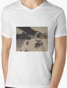 Vintage Black and White Military Bulldog Aviation Mens V-Neck T-Shirt