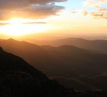 Sun rise over Mt Kaputar  by RickLionheart
