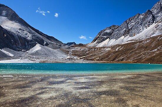 Lake 4600m by jasonksleung