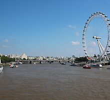 The Thames and the London Eye by corrado
