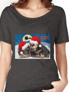 Puppy Christmas: I saw Mummy Kissing Santa Claus Women's Relaxed Fit T-Shirt