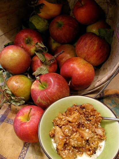 apple crisp . . . is good.  by evon ski