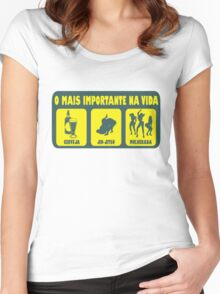 O Mais Important Na Vida - The Important Things in Life (Brazilian Portuguese T-shirt) Women's Fitted Scoop T-Shirt