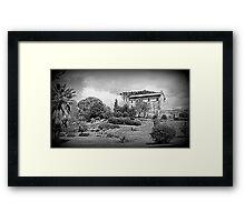 The cottage Framed Print