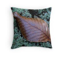 Autumn ! Throw Pillow