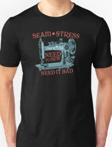 Funny seamstress vintage sewing machine Unisex T-Shirt
