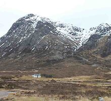 Cottage in Glencoe by Pat Millar