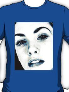Striking girl T-Shirt