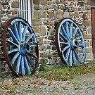 Roues bleues by Karo / Caroline Evans (Caux-Evans)