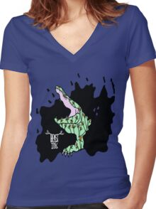 BEAST INK CROCODILE RAGE Women's Fitted V-Neck T-Shirt