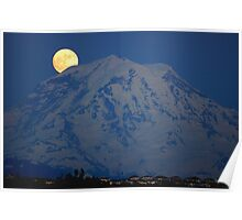 MOON OVER MT. RAINIER IN WASHINGTON STATE Poster