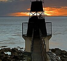 Battery Point lighthouse, Portishead, Bristol by Davidpstephens