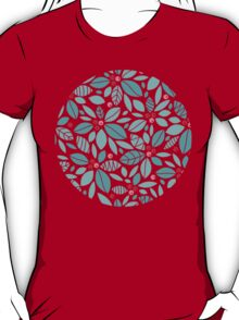 Holly berries and leaves pattern T-Shirt