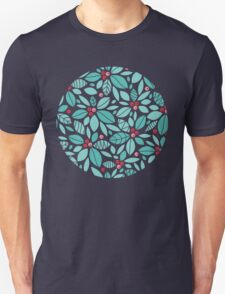 Holly berries and leaves pattern Unisex T-Shirt