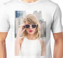 CUTE TAYLOR SWIFT a Unisex T-Shirt