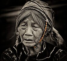 La Hu Ethnic lady... by johnmoulds