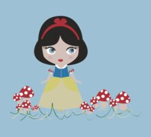 Snow White in the mushroom land Kids Tee