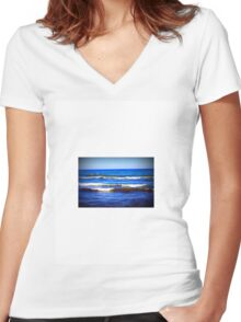 waves on lake michigan in sheboygan, wisconsin Women's Fitted V-Neck T-Shirt