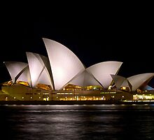 Sydney Opera House by joeferma