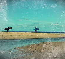 surfers at lagoon 1 by geophotographic