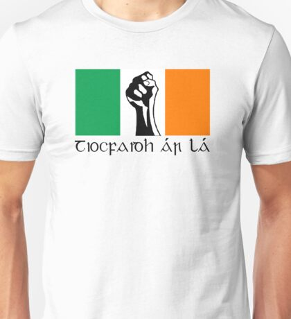 Irish Republican design in Gaeilge Unisex T-Shirt