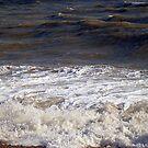 Sea waves  by Antoinette B