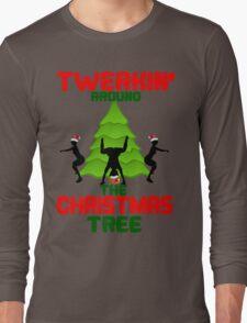Twerk'n around the Christmas tree Long Sleeve T-Shirt