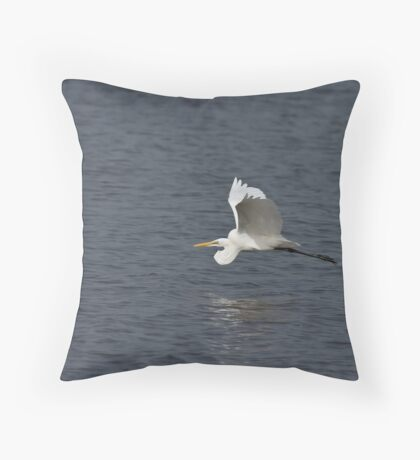 Great White Egret flying low Throw Pillow