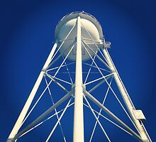 UC Davis Water Tower by omhafez