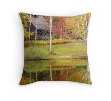 Fall getaway Throw Pillow
