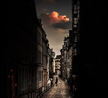 Red cloud in Paris by Olivier Sohn