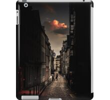 Red cloud in Paris (France) iPad Case/Skin