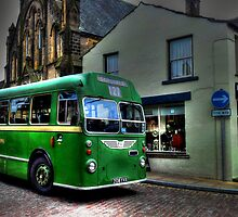 Vintage Bus by Andrew Pounder