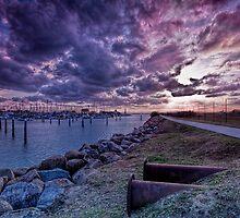 Scarborough sunset by GeoffSporne