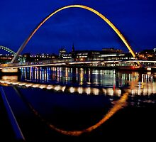 Millennium Bridge, Newcastle-Gateshead by Andrew Pounder
