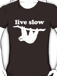 Cute Sloth - Live Slow (Vintage Distressed Design) T-Shirt