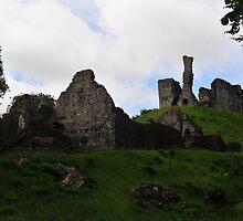 Okehampton Castle by JurassicJohn