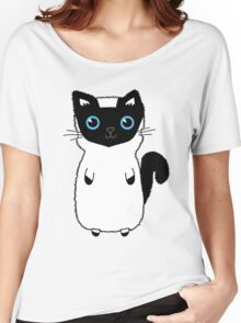 White And Black Cute Kitten Design With Bright Blue Eyes Women's Relaxed Fit T-Shirt