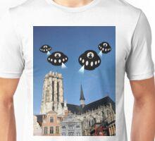 Aliens invade Mechelen Unisex T-Shirt