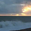 Crashing Waves At Dungeness by victor55