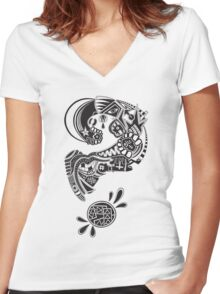 Question Marcus Women's Fitted V-Neck T-Shirt